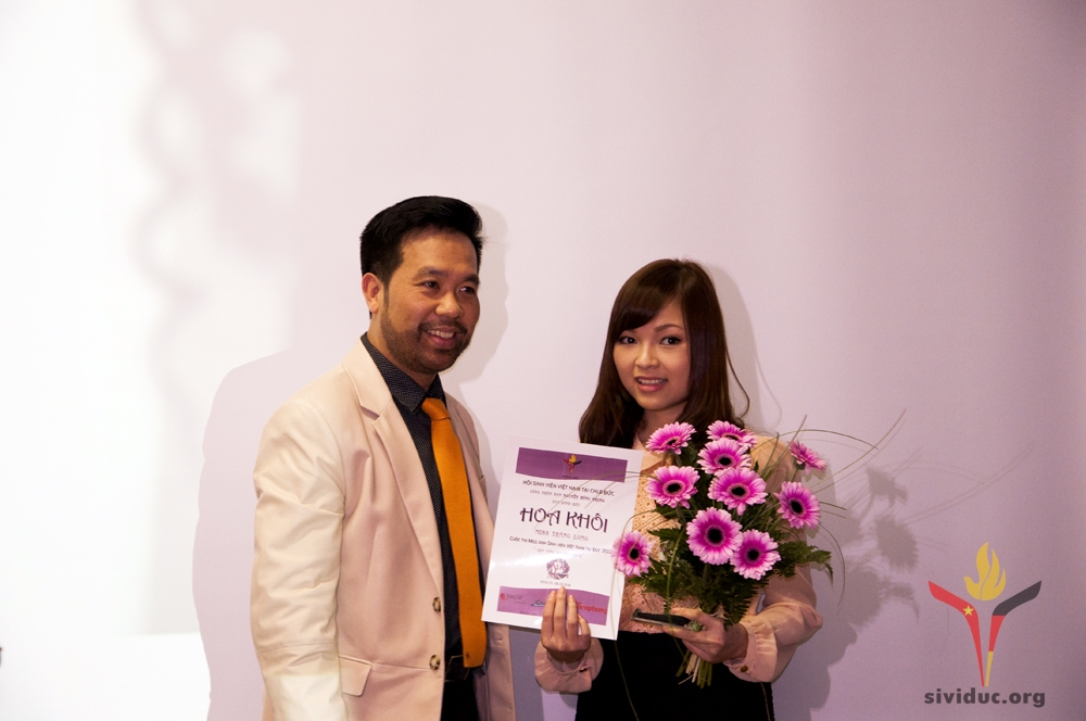 Trao giai Miss 2012 (3)
