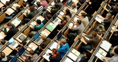 Bang Baden-Württemberg xem xét thu học phí sinh viên ngoài khối EU